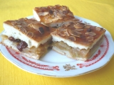 Jablkový koláč z kynutého těsta recept