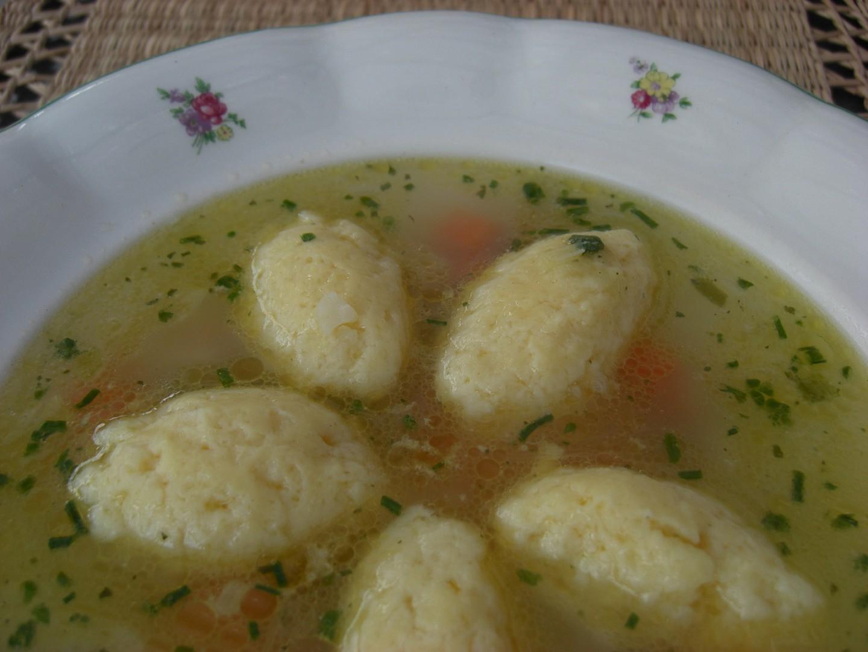 Sýrové nočky z odpalovaného těsta do drůbeží polévky recept ...