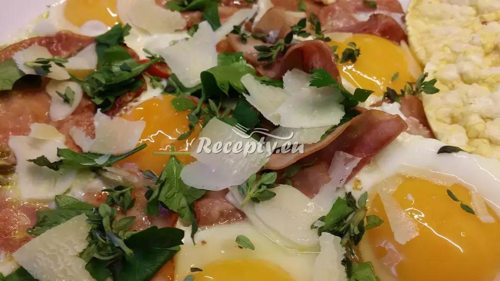 Ztracená vejce na šunce recept  jídla z vajec