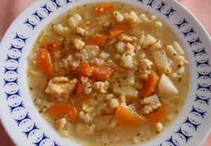 Jednoduchá zeleninová polévka s jíškovo-vaječnou zavářkou ...