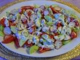 Salát s ředkvičkami a jogurtovou zálivkou recept