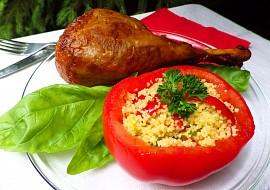 Krůtí stehno s rajčaty plněnými zeleninovým kuskusem recept ...