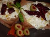 Zapečené tousty s voňavou sýrovou peřinkou recept