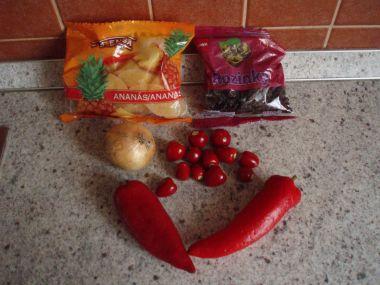 Nakládané chilli s rozinkami.