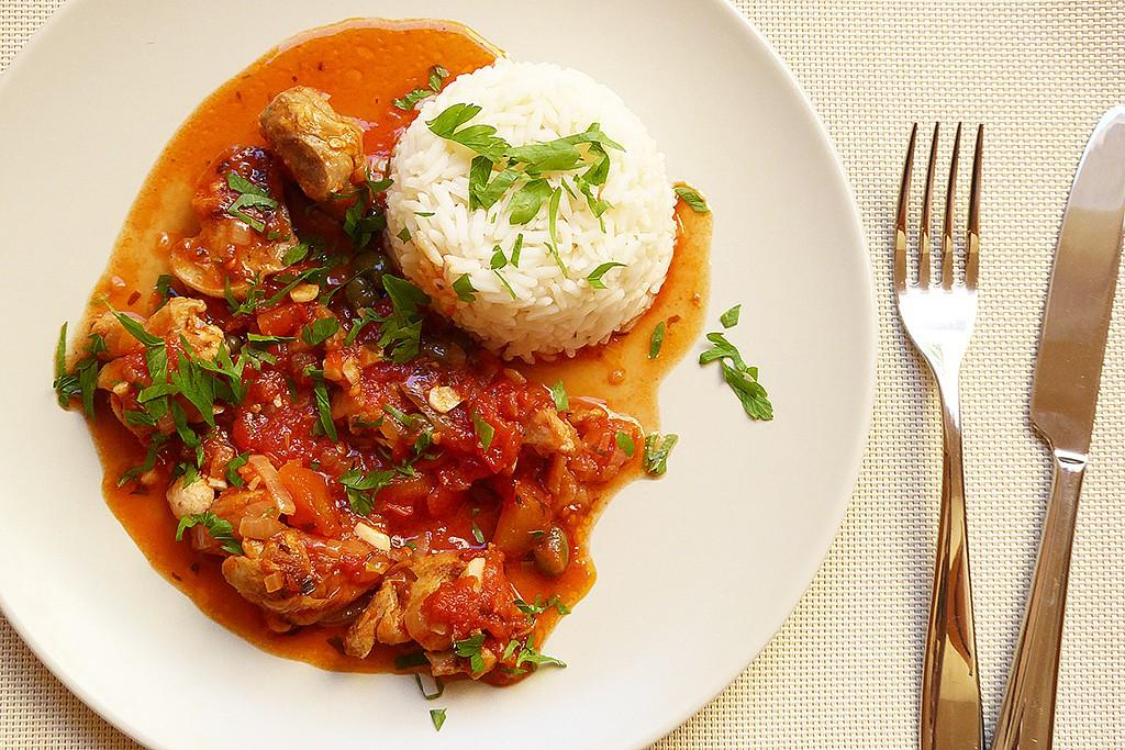 Kuře zahalené rajčátky s kapary recept