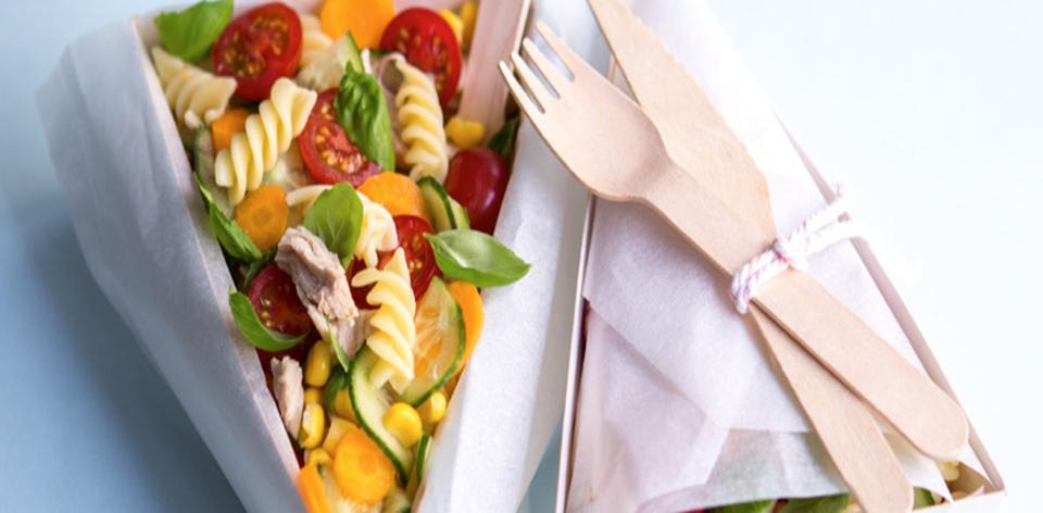 Těstovinový salát se zeleninou