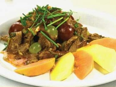 Thajský salát z hovězího masa