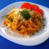 Špagety s mletým masem a šlehačkou recept