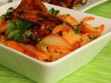 Kuřecí křidélka s tandoori cibulovým kuskusem recept