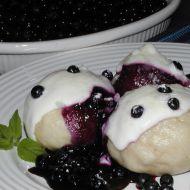 Kynuté knedlíky s borůvkovou omáčkou recept