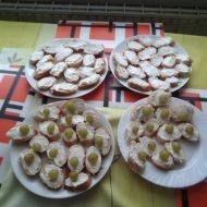 Česneková pomazánka z lučiny recept
