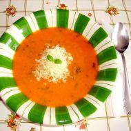 Polévka z červené čočky s rajčaty recept