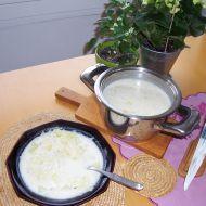Rychlá zelňačka s kysanou smetanou recept