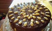 Pudinkový dortík s čokoládou a mandlemi recept