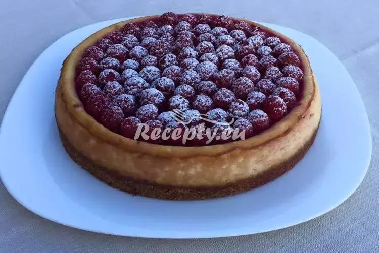 Cheesecake s čerstvými malinami recept  dezerty