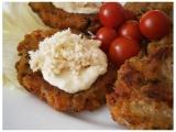 Zeleninovo-slaninové chlebové placičky s křenovým dipem recept ...
