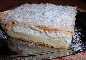 Báječný vanilkový řez z listového těsta  krémeš