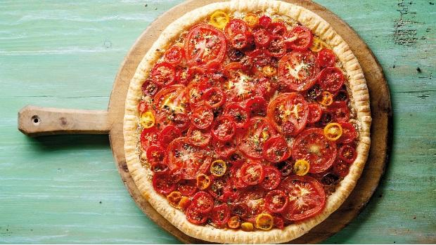 Rajčatový koláč ze sýrového těsta