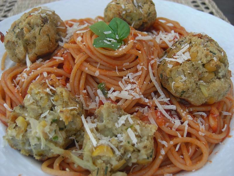Špagety s kuličkami z lilku recept