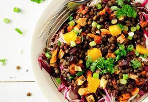 Čočkový salát se zeleninou