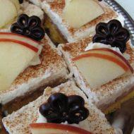 Jablečné řezy s pudinkem a skořicí recept