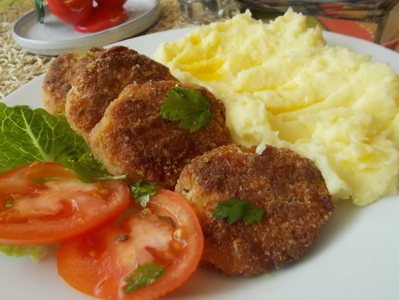 Lososové karbanátky s bramborovou kaší + lososové burgery recept ...