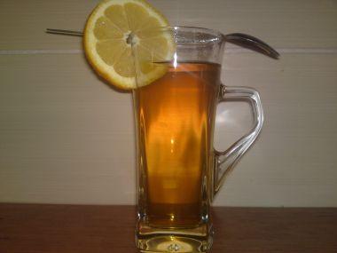 Podbělový čaj z čerstvého podbělu