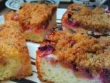 Kynutý švestkový koláč se strouhankovou drobenkou recept ...