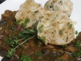 Divoká houbovka s žemlovými knedlíky recept