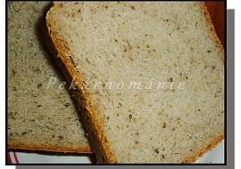 Pšenično-žitný chléb s vařeným bramborem a celozrnnou moukou ...