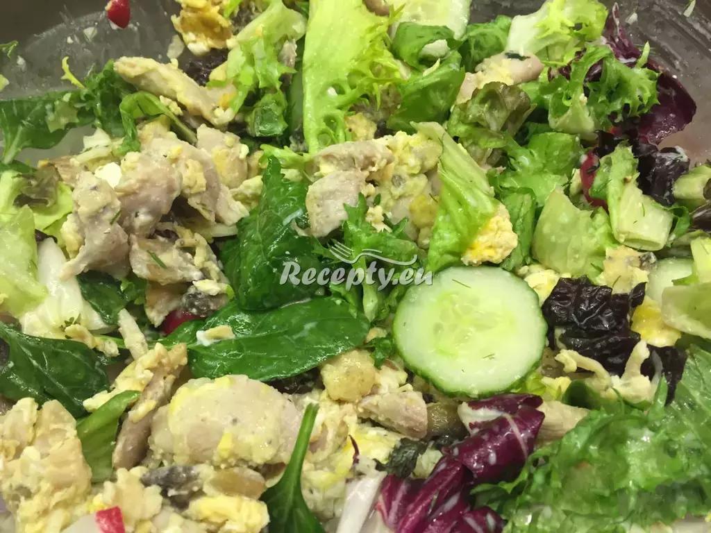 Italský salát s kuřecím masem recept  saláty