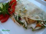 Zeleninový salát s kuřecím masem v palačinkách recept ...