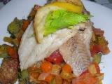Mořská ryba na zelenině s neobvyklou přílohou recept  TopRecepty ...