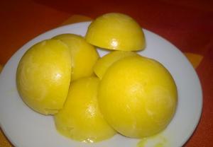 Mražené mangové bonbony