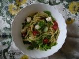Výborný těstovinový salát s rajčaty a mozzarelou recept ...