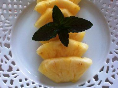 Ananas na karamelu