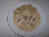 Kuřecí zavitky neboli maso v mase se žampionovou omáčkou recept ...