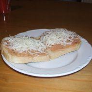 Topinky s falešným tatarákem recept