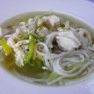 Kuřecí polévka s rýžovými nudlemi recept