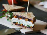 Kuřecí sendvič s karamelizovanou cibulí a pečenou dýní recept ...