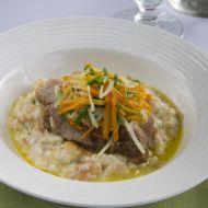 Štýrské vepřové maso s křenovo-houskovou kaší a kořenovou ...
