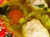 Kapustová polévka s knedlíčky z mletého vepřového masa recept ...