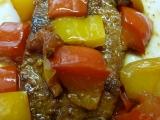 Vepřové plátky v závoji paprik a rajčete recept