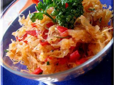 Recept Salát z kysaného zelí s jablky