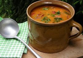 Papriková polévka s klobásou recept
