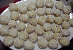 Babiččiny rozinkové sušenky s mandlemi a kandovaným ovocem ...