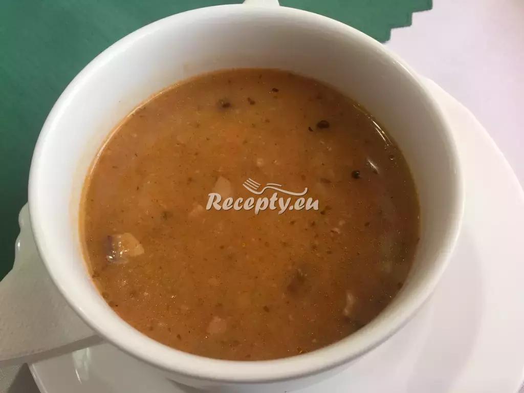 Bretaňská gulášovka recept  polévky