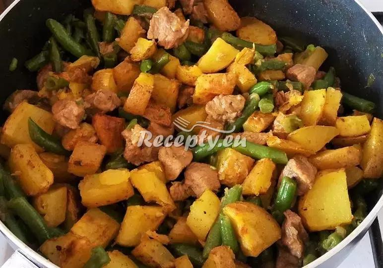 Kuřecí kousky s pečeným bramborem recept  bramborové pokrmy ...
