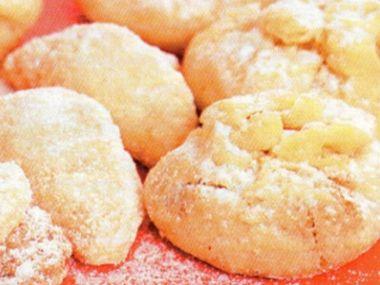 Mušle a měšce s ořechovou náplní