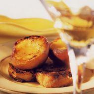 Sladké toasty s grilovanými broskvemi recept